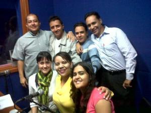 De izq a der: Luisa, Adriana, Elizabeth, Juan Carlos Rojas, Johan, Juan David y Juan Carlos Moreno